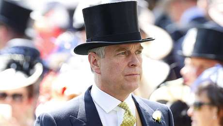 Acusações contra Jeffrey Epstein colocaram o príncipe britânico Andrew (acima) sob holofotes mundiais
