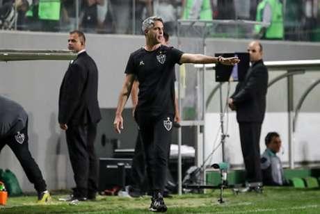 O Galo teve muitas chances de gol, porém, não conseguia converter as oportunidades em gols- (DOUGLAS MAGNO / AFP)