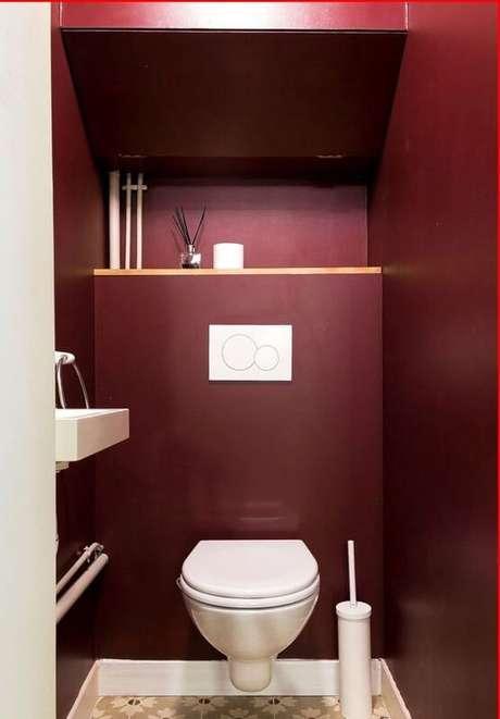 24. Use o banheiro na cor marsala para ter um ambiente moderno – Por: Pinterest