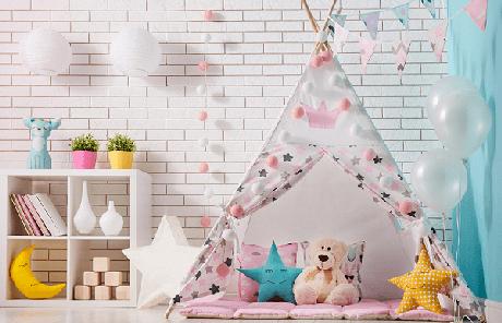 26. Coloque um tecido almofadado no chão da cabaninha infantil para proteger as crianças. Fonte: Pinterest