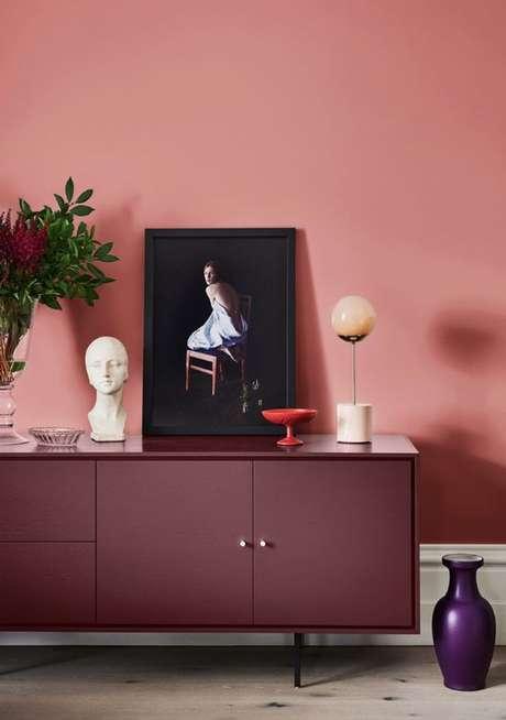 37. A decoração marsala é perfeita para a sala de estar – Por: Pinterest