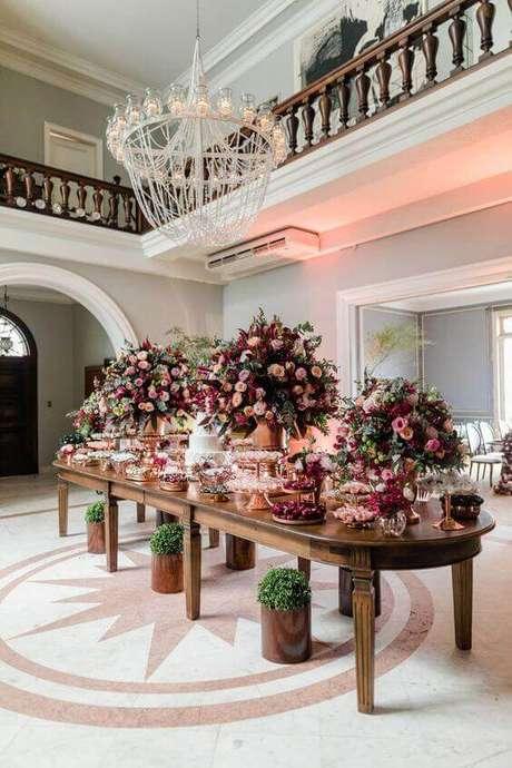 42. A decoração de casamento na cor marsala é encantadora – Por: Palácio dos Cedros