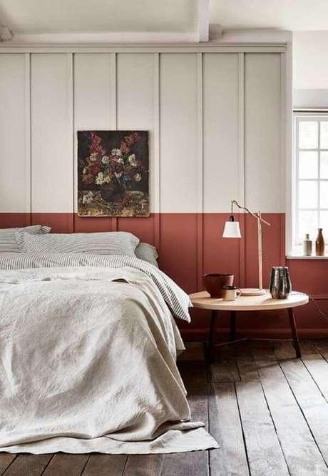 63. Quarto com parede pintada de marsala – Por: Pinterest
