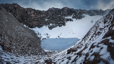 O lago glacial Roopkund está a mais de 5 mil metros acima do nível do mar