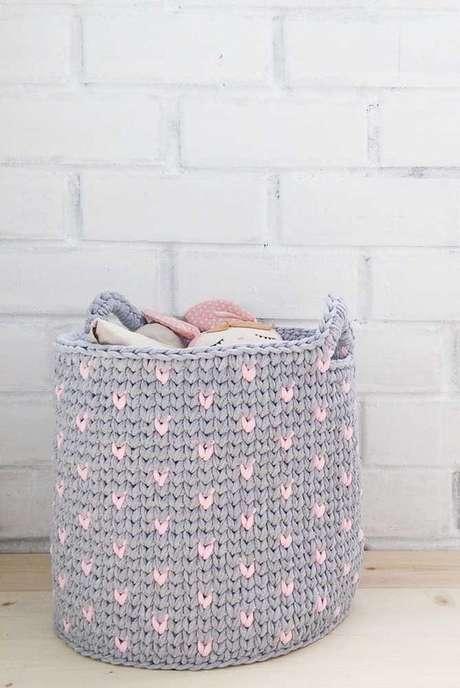8. As cores do cesto de crochê podem ser associados de diferentes formas. Foto: Decor Fácil
