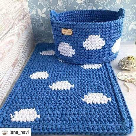 62. É interessante combinar o cesto de crochê a outras peças de mesmo material e tema. Foto: MRS New