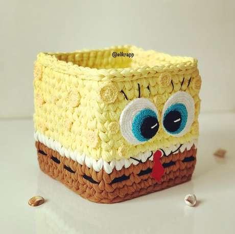 52. A delicadeza do cesto de crochê está na proposta que ele possui. Foto: Instagram