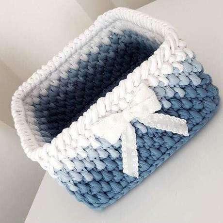 40. Um cesto de crochê delicado deve usar as cores certas. Foto: Andrea Crochê