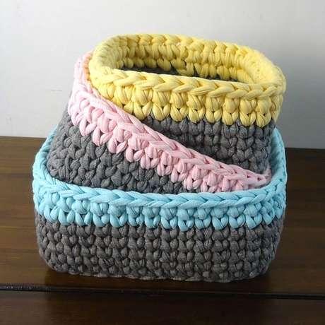 26. Pequenos detalhes fazem toda a diferença em um cesto de crochê. Foto: Elo7