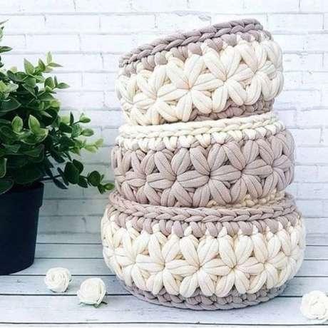 19. Fazer mais de um cesto de crochê do mesmo tema permite uma unicidade. Foto: De Frente Para o Mar