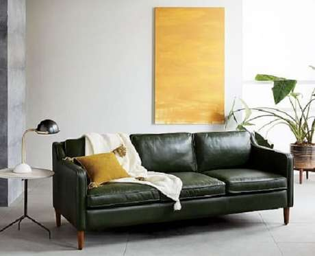 48. Tecido para sofá de couro decora a sala de estar minimalista. Fonte: West Elm