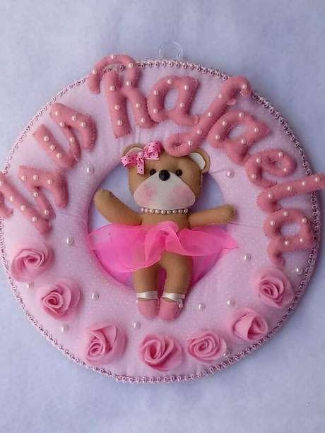 37. Guirlanda de feltro para bebe na cor rosa com ursinho – Por: Mercado Livre
