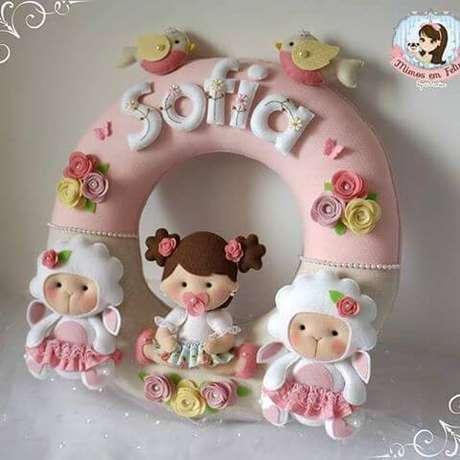 38. Guirlanda de feltro para quarto de bebê – Por: Pinterest