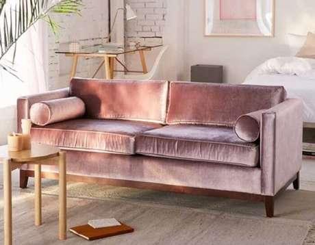 11. O tecido para sofá de veludo traz brilho para o ambiente. Fonte: Pinterest