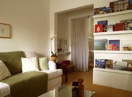 18. Sofá com capa renova o ambiente da sala de estar. Fonte: Casa e Jardim
