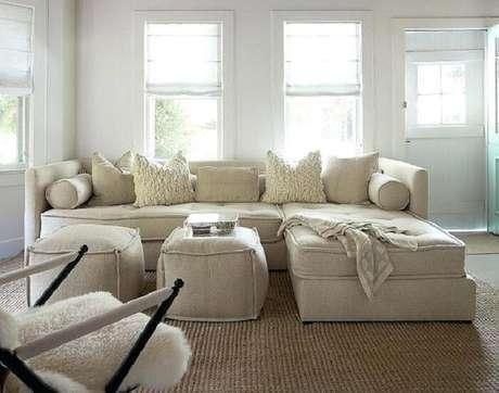 28. Tecido para sofá de linho se encaixa perfeitamente em ambiente rústico. Fonte: Pinterest