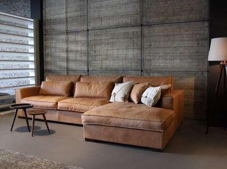 34. Tecido para sofá suede marrom claro. Fonte: Pinterest