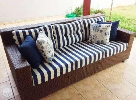 36. Tecido impermeável para sofá acquablock é o melhor para áreas externas. Fonte: Pinterest
