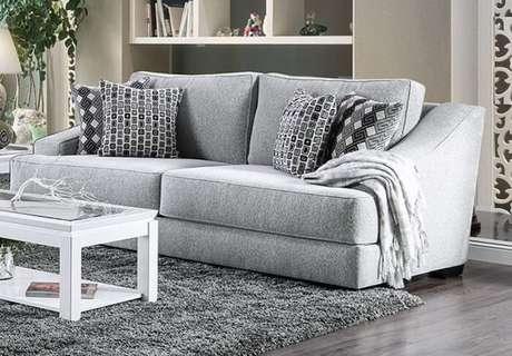39. Tecido para sofá chenille cinza claro. Fonte: Pinterest