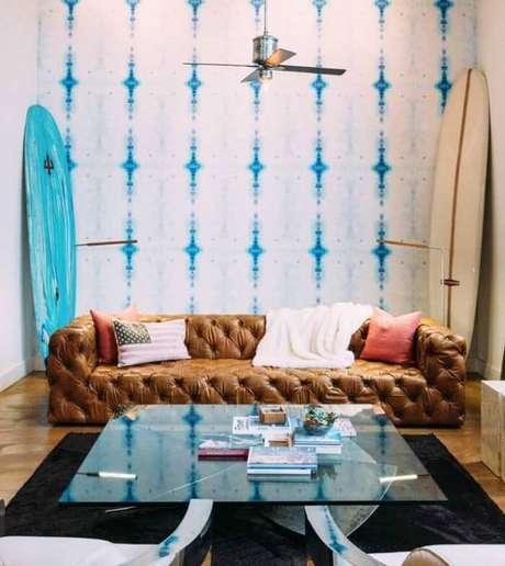 1. Tecido para sofá de couro com acabamento de capitonê. Fonte: Pinterest