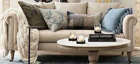 8. Tecido para sofá de linho cor bege. Fonte: Pinterest