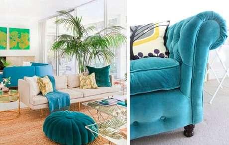 42. Tecido para sofá de veludo azul turquesa se destaca no meio da decoração. Fonte: Pinterest