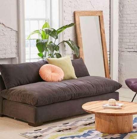 51. Tecido para sofá suede traz conforto e macie para os usuários. Fonte: Pinterest