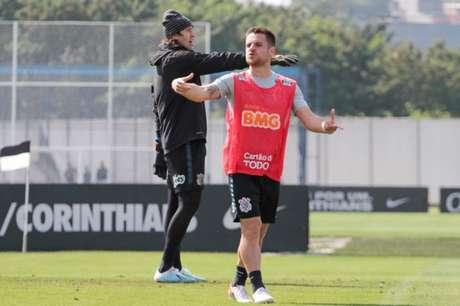 Ramiro deve herdar a vaga de Pedrinho pelo lado direito do ataque (Foto: Peter Leone/O Fotográfico/Lancepress!)
