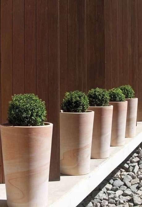 3. Escolha os vasos decorativos conforme o tamanho do ambiente onde eles vão ficar – Foto: La Palmeraie