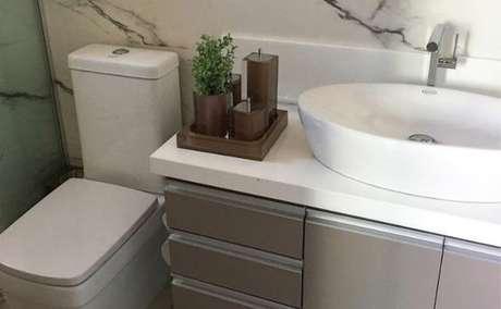 12. A cor fendi pode estar em detalhes dos móveis. Foto: Tua Casa