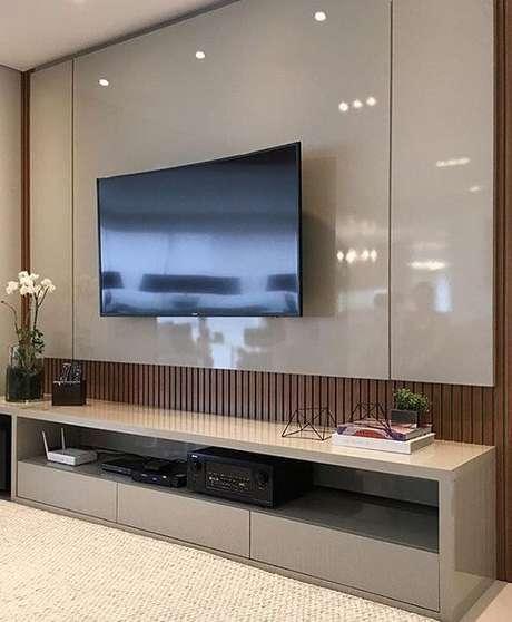 42. A cor fendi garante uma simplicidade muitas vezes necessária ao cômodo. Foto: Transforme Sua Casa