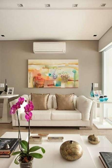 64. Um boa parede de cor fendi deve ser delicada. Foto: Transforme Sua Casa