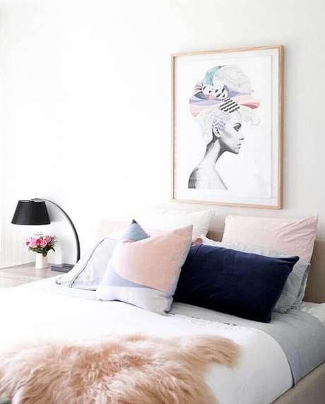 4. Invista em quadros decorativos para quarto que tenham a ver com a sua personalidade – Foto: Pinterest