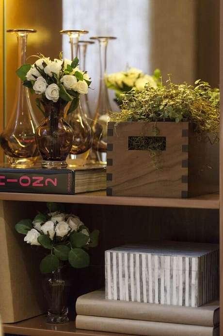 30. Alguns modelos de vaso decorativo são perfeitos para ambientes rústicos