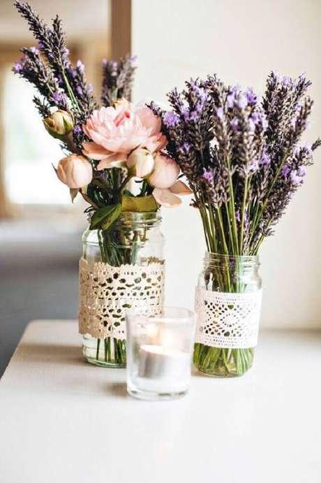 56. Mais uma inspiração para você fazer o seu próprio vaso decorativo