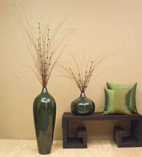 19. Modelos de vasos decorativos com cerâmica esmaltada