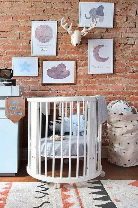 49. Os quadros para decoração de quarto de bebê podem dar um toque mais lúdicos e charmoso ao ambiente – Foto: Wood Save
