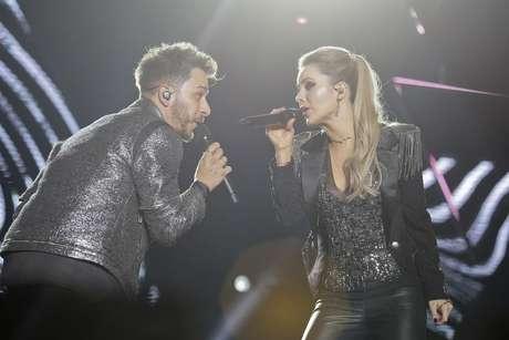 A dupla Sandy e Junior durante o show de estreia da turnê Nossa História, no Classic Hall, em Olinda, na Grande Recife, em Pernambuco