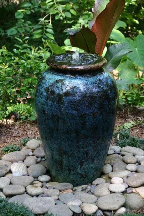 40. O vaso vietnamita azul pode ser usado na área externa de casa – Por: Pinterest