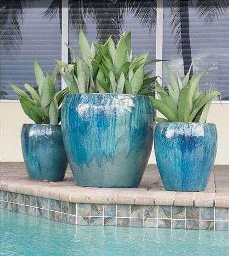 41. Os vasos vietnamitas podem ser usados para decorar a piscina – Por: Pinterest