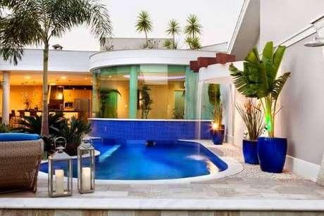 61. Vaso vietnamita azul para piscina com decoração linda – Por: AssetProject