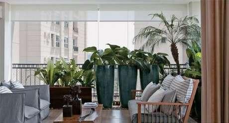 5. Use o vaso vietnamita verde para destacar a decoração da varanda gourmet – Por: AssetProject