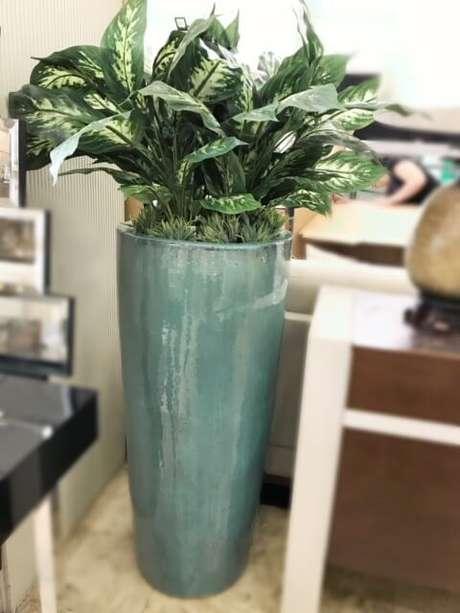 26. Vaso vietnamita verde com plantas lindas – Por: Carmine Decorações