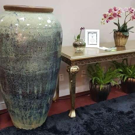 31. O vaso vietnamita precisa combinar com todos os detalhes da sua decoração – Por: Wolff Garden