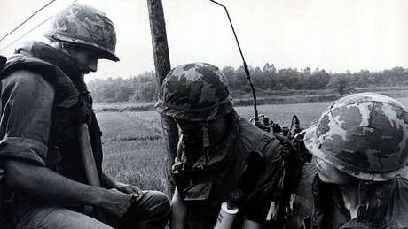 Tropas dos EUA foram para a JSA para dar apoio aos engenheiros que estavam a caminho para cortar a árvore