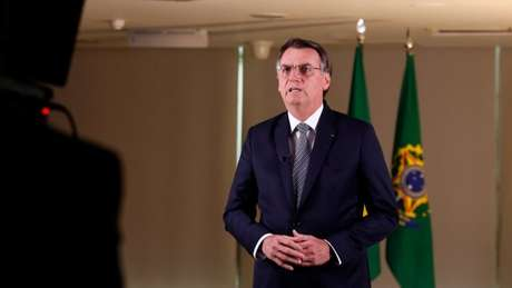 Bolsonaro gravando o pronunciamento que foi ao ar na noite desta sexta-feira (23)