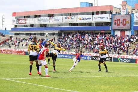 Paraná e Criciúma empatam pela série B do Brasileirão