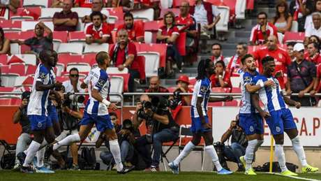 Zé Luís e Marega marcaram para o Porto (PATRICIA DE MELO MOREIRA / AFP)