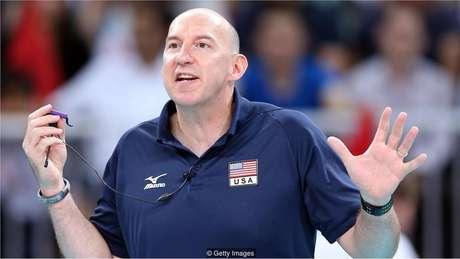 Depois de liderar a equipe masculina de vôlei dos EUA rumo ao ouro em Pequim, em 2008, Hugh McCutcheon comandou a equipe feminina para conquistar a prata nos Jogos Olímpicos de Londres de 2012
