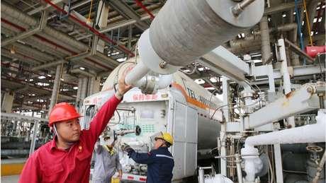 Técnicos da estatal chinesa CNPC têm papel crucial na exploração petrolífera venezuelana